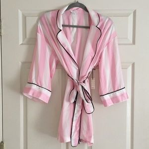 NWT pink and white silk robe